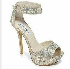 2ec8295ca50d Steve Madden carriie blush mult shoes. Rare find Steve Madden faux leather  upper in a