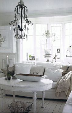 MY STYLE :: White living room w/ style! | #livingroom #neutrlas #whites