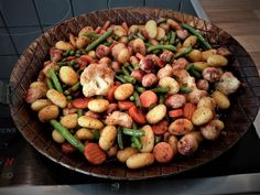 Gnocchi-Gemüse-Pfanne mit Mettbällchen, ein beliebtes Rezept aus der Kategorie Braten. Bewertungen: 232. Durchschnitt: Ø 4,4.