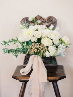 bridal bouquet idea; photo: Taylor Lord Photography