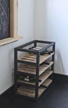 Wine Furniture, Metal Furniture, Industrial Furniture, Cool Furniture, Palette Deco, Wine Rack Storage, Wine Display, Wood Wine Racks, Rack Design