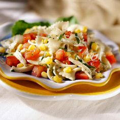 Corn and Tomato Pasta Salad - Fresh tomatoes and corn bring summer-fresh flavor to this salad. To make it a meatless main dish, omit the chicken and add two tablespoons of grated cheese per serving. Tomato Pasta Salad, Corn Pasta, Pasta Salad Recipes, Tomato Pesto, Pesto Pasta, Pesto Salad, Pasta Meals, Corn Recipes, Side Recipes
