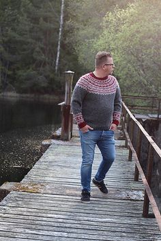 Ravelry: Galdhöpiggen pattern by Erika Guselius Norwegian Knitting, Erika, Hipster, Sweater Patterns, Child, Wool, Live, Crochet, Classic