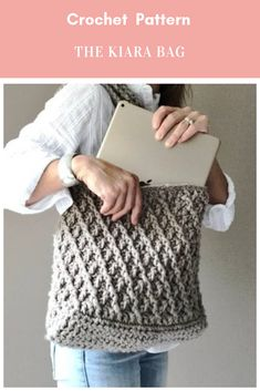 The Kiara Bag, Crochet Pattern #crochet #crochetpattern #handbagcrochetpattern #crochettote #crochethandbag #totecrochetpattern #bagcrochetpattern #crochetbag Affiliate Link