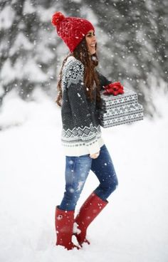 This sweater is so cute with this red knit hat and matching red rain boots for winter You need these cute winter outfits in your closet right now! These winter outfit ideas are perfect for the cold weather and super trendy. Cute Christmas Outfits, Cute Winter Outfits, Fall Outfits, Casual Outfits, Winter Clothes, Christmas Sweaters, Outfit Winter, Christmas Clothes, Snow Outfit