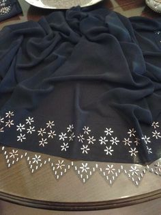This Pin was discovered by HUZ Cutwork Saree, Zardosi Embroidery, Couture Embroidery, Embroidery Stitches, Hand Embroidery, Dress Patterns, Sewing Patterns, Embroidered Clothes, Bargello