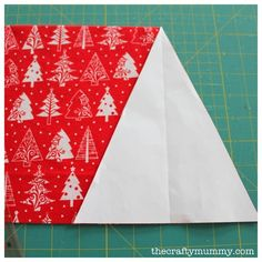 Christmas Bunting Tutorial - The Crafty Mummy Bunting Template, Bunting Tutorial, Christmas Bunting, Christmas Crafts, Birthdays, Crafty, Quilts, Sewing, Fabric