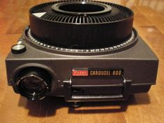Carousel slide projector