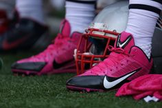 Pats pink cleats for breast cancer awareness.