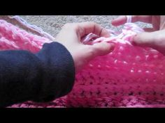 Finger crochet!  OMG I love it, I love it!  This is definitely going to be my very next project.  The ribbing is beautiful!