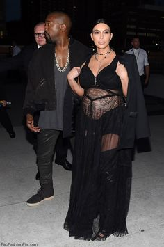 Kanye West and Kim Kardashian at the Givenchy spring 2016 fashion show in New York (September 2015). #givenchy #kimye