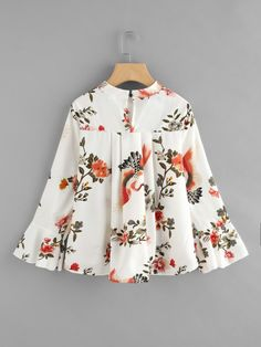 Fluted Sleeve Floral Print Pleated Front Blouse -SheIn(Sheinside)