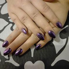 Idealne  na  sylwestra 😀 #nails #nailstagram #manicure #almondstyle #newyearsevenails #mirror #chameleon #violet #beautybym #manicure #newyearseve  #gelmanicure #gelnails