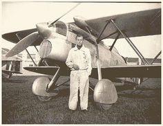 "Fiat CR32 ""Freccia"", 79 Squadriglia, IV° Gruppo, I° Stormo Caccia, pilot… Italian Air Force, Old Planes, National History, Go Online, Pilot, Ww2 Aircraft, Warfare, Wwii, Cool Photos"