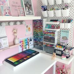 Cute Bedroom Ideas, Cute Room Decor, Girl Bedroom Designs, Room Ideas Bedroom, Craft Room Organisation, Stationary Organization, Craft Storage, Study Room Decor, Craft Room Design