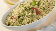 Der gemischte Salat-Teller bekommt Konkurrenz! Abgelöst wird er vom Couscous-Salat, der Groß & Klein mit Geschmack und Vielfalt begeistert.