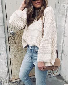 open cardigan / gucci belt / white on white / casual outfit / everyday look - Gucci Belt - Ideas of Gucci Belt - open cardigan / gucci belt / white on white / casual outfit / everyday look Casual Fall Outfits, Stylish Outfits, Cool Outfits, Fashion Outfits, Autumn Outfits, Outfit Winter, Looks Cool, Looks Style, Outfit Invierno