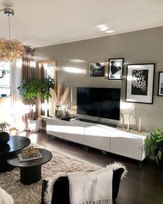 Living Room Design Ideas: Tips for choosing style, Decoration and Furniture - ChecoPie Living Room Decor Cozy, Elegant Living Room, Living Room Tv, Apartment Living, Interior Design Living Room, Home And Living, Living Room Designs, Bedroom Decor, Casa Pop
