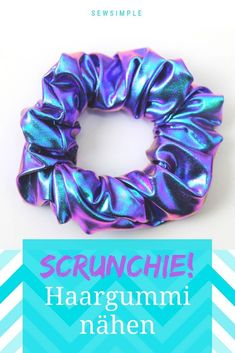 """Haargummi selber nähen: So machst du ein Zopfgummi selber Sew hair tie yourself: That's really easy! The cool hairbands were called """"scrunchies"""" in the and were super hip. Now the funny braids are back – and I'll show you how to sew them! Easy Sewing Projects, Sewing Projects For Beginners, Sewing Hacks, Sewing Tutorials, Weave Hairstyles, Cool Hairstyles, Leftover Fabric, Sewing Patterns Free, Scrunchies"""