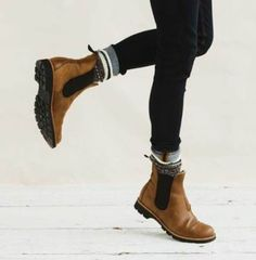 Tips for Creating a Winter Maternity Capsule Wardrobe - M . - Schwanger Kleidung Tips for Creating a Winter Maternity Capsule Wardrobe - M . Crazy Shoes, Me Too Shoes, Boot Over The Knee, Maternity Capsule Wardrobe, Wardrobe Capsule, Mode Shoes, Look Fashion, Womens Fashion, 90s Fashion