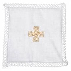 loaves and fishes Sale: Mass linen set for liturgical use. This mass linen set has delicate loaves and fishes stylized symbol embroidery in gold thread. Holy Art, Altar Cloth, Color Dorado, Artisanal, Embroidery Patterns, Delicate, Accessories, Linens, Dish Towels