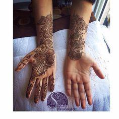 Arabic henna design Organic henna with a touch of tradition Tradition designs Indian style design Toronto artist Traveling artists for destination wedding Quality Henna Art - Mehndi artist in Toronto / GTA Henna design for punjabi Shadi