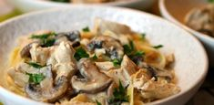 Poulet aux champignons Weight watchers - Recette Weight watchers Weight watchers chicken with mushro Ww Recipes, Easy Healthy Recipes, Pasta Recipes, Easy Meals, Dinner Recipes, Cooking Recipes, Recipe Pasta, Alfredo Recipe, Recipe Chicken