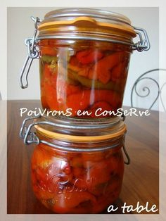 ConServe De PoiVronS à l'HuiLe d'OliVe Mason Jar Meals, Meals In A Jar, Pickles, Cuisine Diverse, Marinade Sauce, Romanian Food, Fat Foods, Tapenade, Batch Cooking