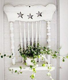 kreative dekoideen weiß bemalter Holzstuhl