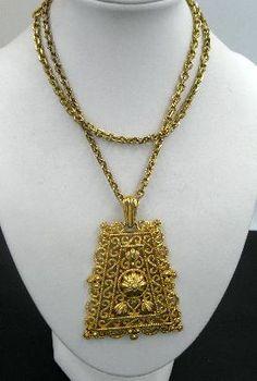 Vintage Trifari Gold Tone Etruscan Style Medallion Pendant Necklace #vintagejewelry #Trifari #Etruscannecklace #vintagenecklace $39.00
