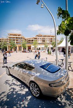 #Aston-Martin Rapide