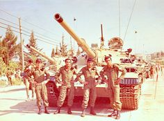 В ходе боёв 1967 г. Израиль захватил на Синае до 820 египетских танков и САУ, среди них несколько сотен Т-54/55 (по ряду источников 291 Т-54 и 82 Т-55). Ещё 15 Т-54 и 5 Т-55 были взяты трофеями на Голанских высотах. Около 200 машин было полностью исправно, среди прочих имелось много танков с…