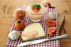 Nátierka z májovej bryndze Camembert Cheese, Dairy, Food, Red Peppers, Meals, Yemek, Eten
