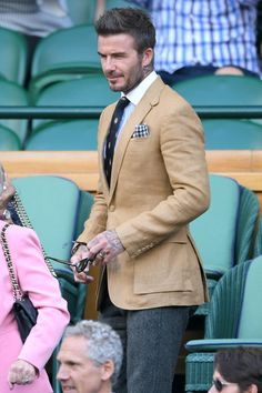 We don't know if David Beckham and Claire Foy were friends before they attended Wimbledon on Thursday, but they definitely looked like they were getting on as David Beckham Wimbledon, David Beckham Suit, David Beckham Style, David Beckham Fashion, Contrast Collar Shirt, Esquire Uk, Tweed Trousers, New Chic, Mens Fashion Suits