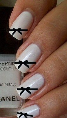 White & black bow Nails