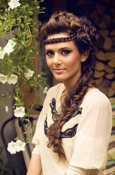 Summer hairstyles for thick wavy hair.