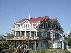 Sandhurst Cottage. 4 Bedrooms, 4.5 Baths. 2nd row beach rental. Oceanside swimming pool. 100 Jackson Avenue Emerald Isle, NC.