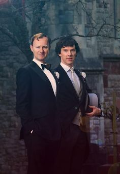The Holmes Brothers - Mycroft (Mark Gatiss) and Sherlock (Benedict Cumberbatch) Martin Freeman, Tom Hiddleston, Holmes Brothers, Sherlock Holmes Bbc, Sherlock Fandom, Sherlock John, Mycroft Holmes, Mark Gatiss, Mrs Hudson