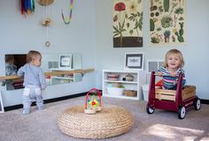 A look at a Montessori movement area for an older baby and making changes in the environment to support the freedom of movement. Montessori Toddler, Toddler Play, Baby Play, Educational Activities, Activities For Kids, Crafts For Kids, Diy Pull Up Bar, Natural Play Spaces, Baby Weeks