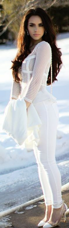 46 Stunning Chic Winter Date Night Outfits Ideas For Girls - VIs-Wed The Fashion Bybel, Girl Fashion, Fashion Outfits, White Fashion, White Outfits, Cool Outfits, Beauty Bybel, Winter Date Night Outfits, Style Feminin