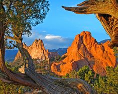 Garden of the Gods, Colorado Springs, Colorado.  This place is beautiful!  Been here!  Loved it.  ✓
