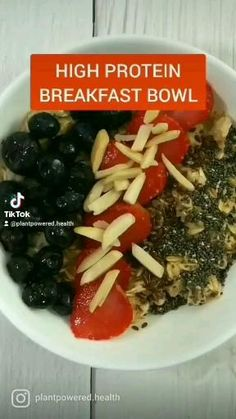 23g of plant based protein. Super healthy vegan breakfast option that can be done in just 5 minutes. Simple ingredients and easy to prepare. Vegan Breakfast Options, Healthy Vegan Breakfast, High Protein Breakfast, Breakfast Bowls, Plant Based Protein, Plant Based Diet, High Protein Vegan Recipes, Post Workout Food, Clean Diet