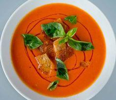 Nesten alle liker tomatsuppe, og denne oppskriften er utrolig smakfull og samtidig veldig enkel å lage. Se oppskriften til Lise her.