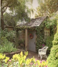 Zo stel ik me de verhoudingen voor ... Another garden retreat.