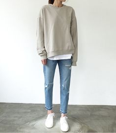 Minimal Fashion Style Tips. Minimal fashion Outfits for Women and Simple Fashion Style Inspiration. Minimalist style is probably basics when comes to style. Tomboy Outfits, Mode Outfits, Fall Outfits, Casual Outfits, Casual Clothes, School Outfits, Summer Outfits, Normcore Fashion, Look Fashion