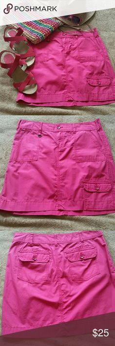 NWOT G.H.BASS MINI SKIRT This bright pink skirt will be sure to brighten up your day. NWOT 3 Pockets in front, 2 in back. Size 4 G.H.BASS & CO. Skirts Mini