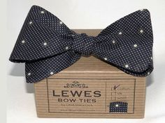 Navy Blue Cotton Bow Tie by DinaMalkova on Etsy, $41.00