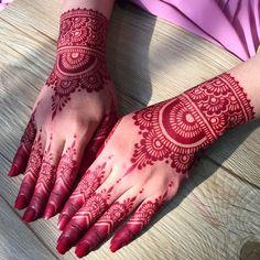 classic red henna powder mehndi design for women