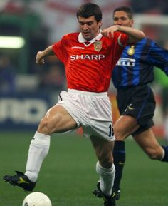 The captain. Manchester United Images, Manchester United Players, Roy Keane, Professional Football, Old Trafford, Man United, Classic Man, Historical Photos, Football Players