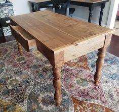 Diy wood desk plans farmhouse table 62 ideas for 2019 Turned Table Legs, Diy Table Legs, Table Desk, Dining Table, Dining Room, Ana White, Small Farmhouse Table, Farmhouse Office, Rustic Farmhouse